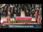 Funérailles Chavez/ Mahmoud Ahmadinejad embrasse le cercueil du commandant Chavez